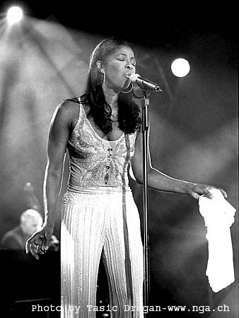 Natalie Cole - Sophisticated Lady (Shes A Different Lady
